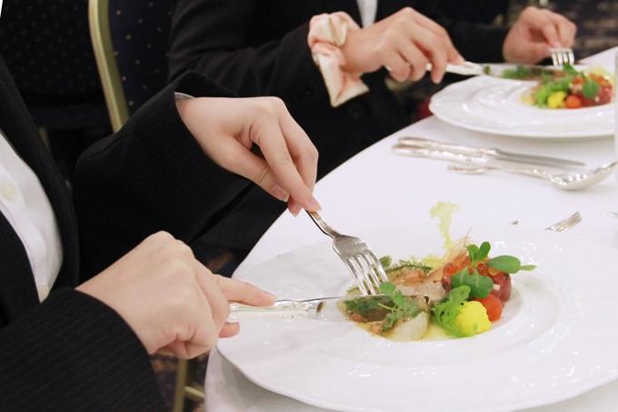 実践テーブルマナーインストラクター養成講座